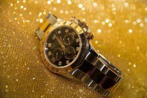 Viele Leute investieren ihr Geld in Aktien oder Gold. Aber auch in bestimmte Uhren.