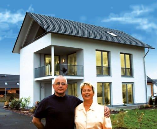 Geschafft! Mit dem Ratzfatz-Darlehen kann innerhalb von 24 Stunden ein Darlehen abgerufen werden. Das ist besonders vorteilhaft bei akuten Schäden oder anderen dringend erforderlichen Modernisierungsmaßnahmen. (Foto: epr/BHW Bausparkasse/R. Heikaus)